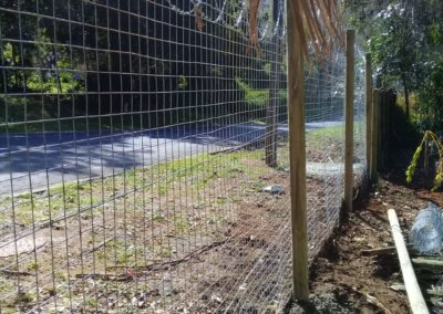 Welded Mesh With Wooden Posts